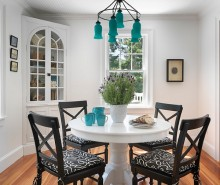 Exquisite-Beach-Style-Dining-Room-with-Turquoise-Chandelier-Ideas
