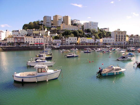 Torquay_harbour_october_2012