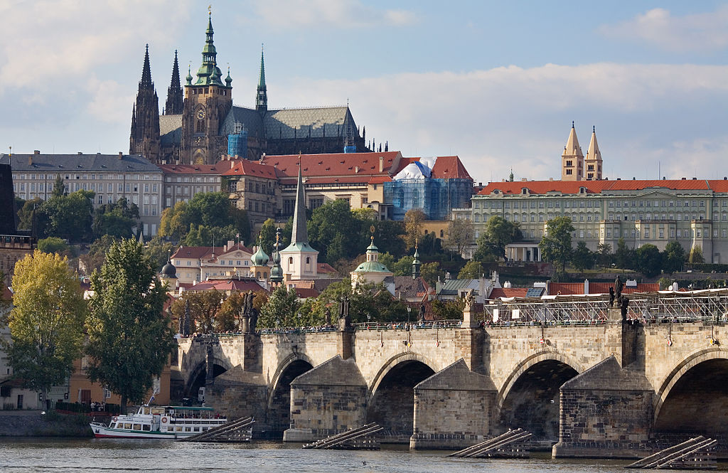 With scenes like this, is it any wonder a holiday in Prague is so popular? ... photo by CC user Jorge Royan on wikimedia