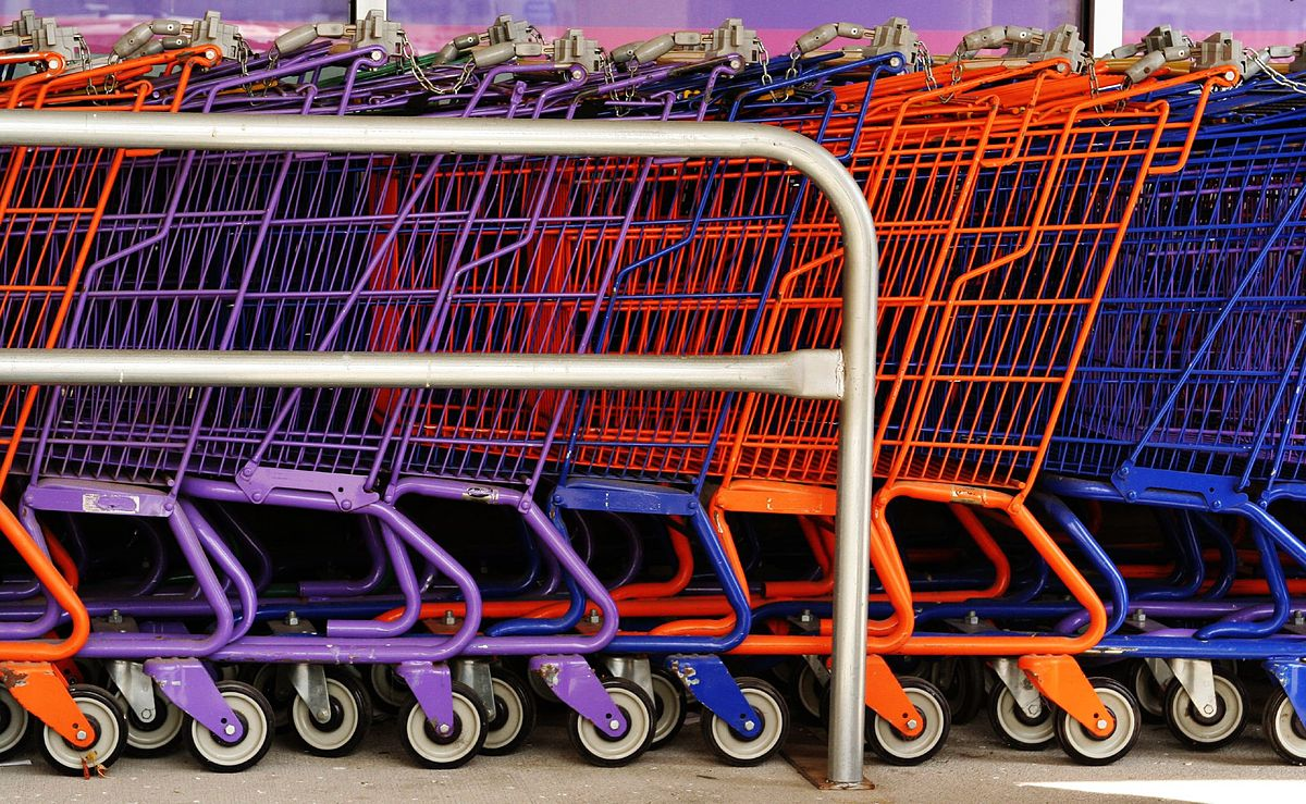 Setting up an online cart system is one thing you'll have to figure out when learning How to set up a successful online store ... photo by CC user alphageek on Flickr
