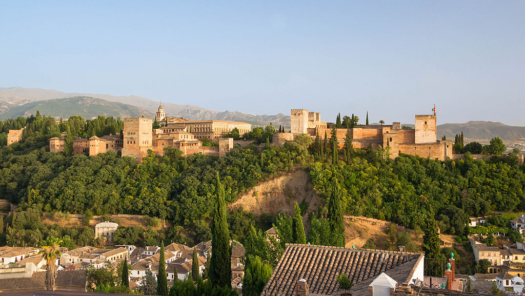 Traveling to Granada counts among the Top Adventures in Spain ... photo by CC user Jebulon on wikimedia commons