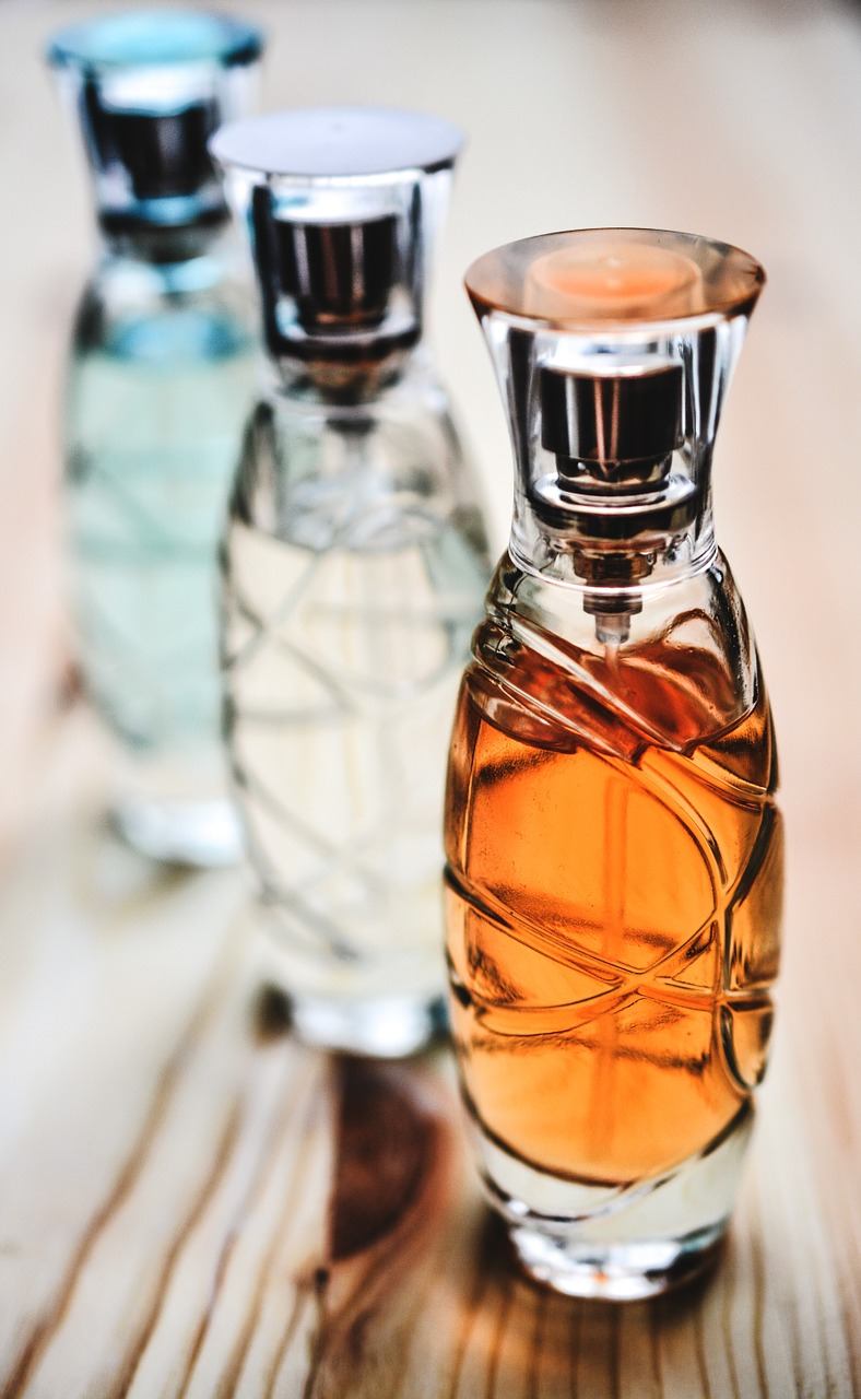 These tips for making perfume last will help you smell nice