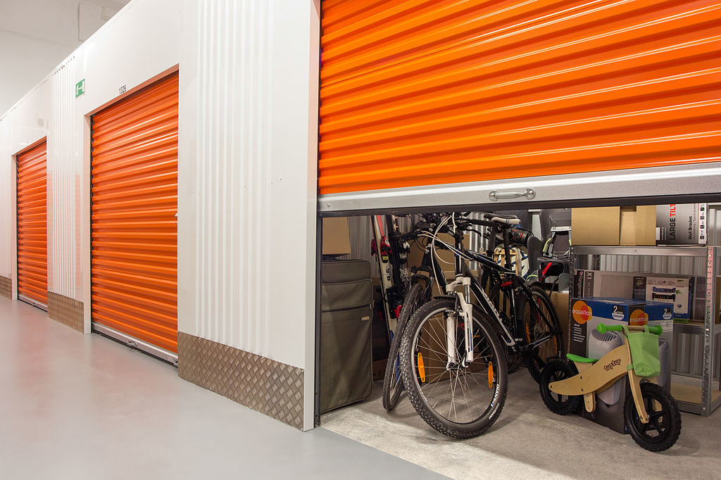 Avoid Damaging Your Property in self storage lockers by following these tips