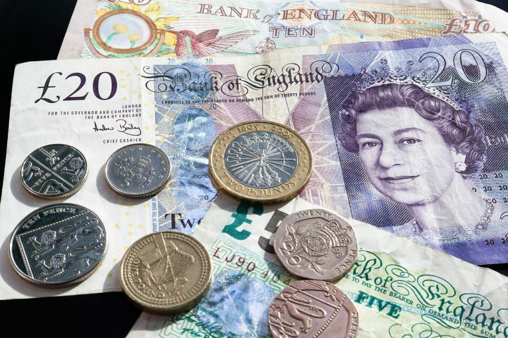 What British HR managers need to know about salary in 2017: expect the unexpected