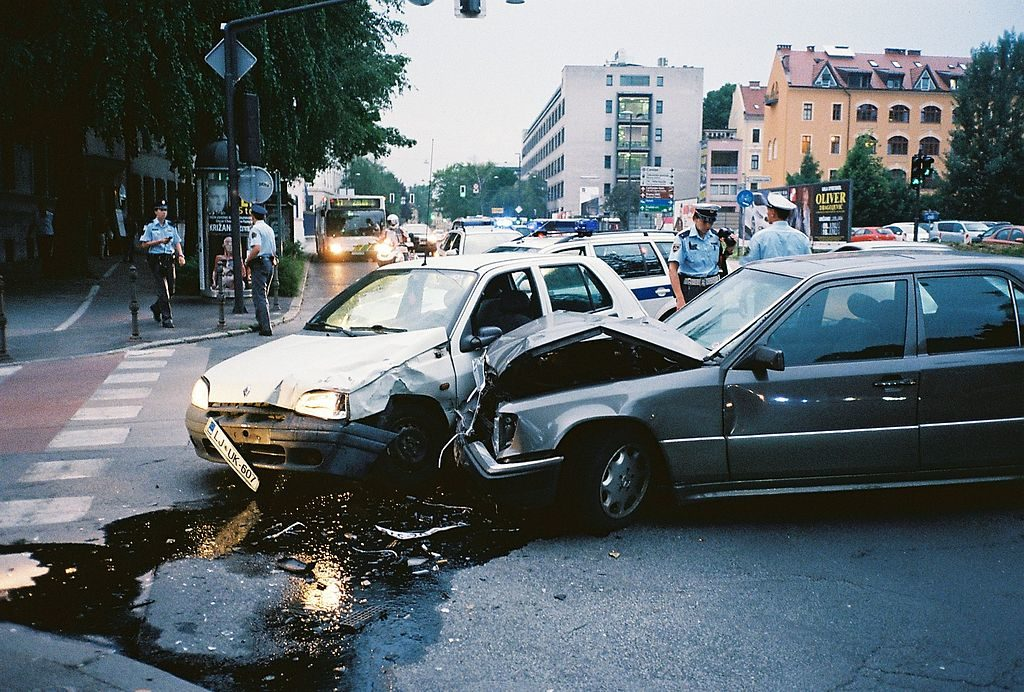 Got in a car accident? Follow the steps below without delay.