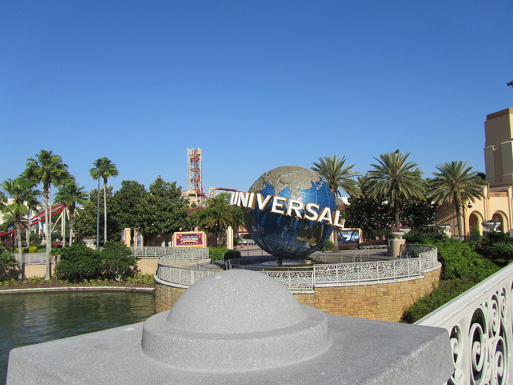 Traveling in Florida for cheap can be done in Orlando, and elsewhere ... photo by CC user ILA-boy on wikimedia commons
